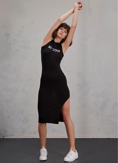 Pi π Sırt Detaylı Kapşonlu Elbise Siyah